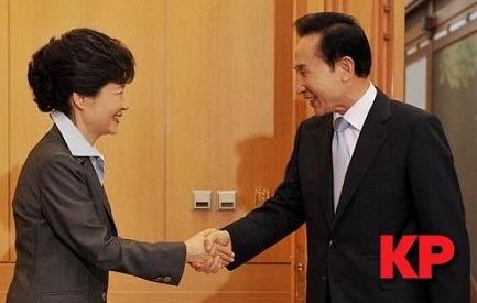 MB-박근혜, 정권 인수인계 논의 첫 회동