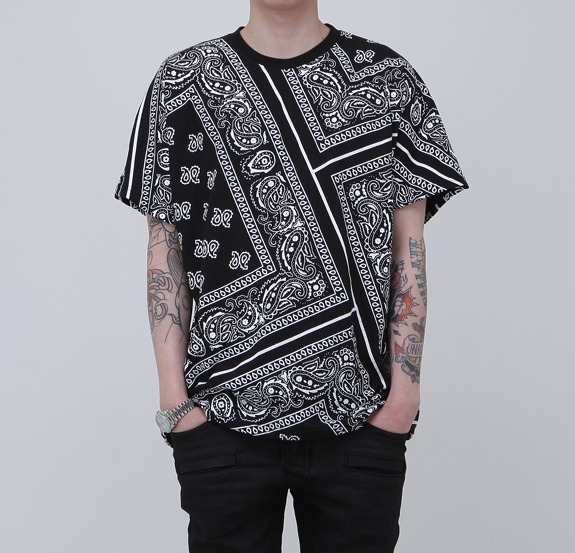 New Paisley Bandana Printed Graphic T Shirt Black Color