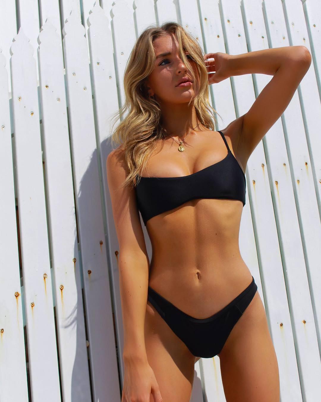 hot curvy girl