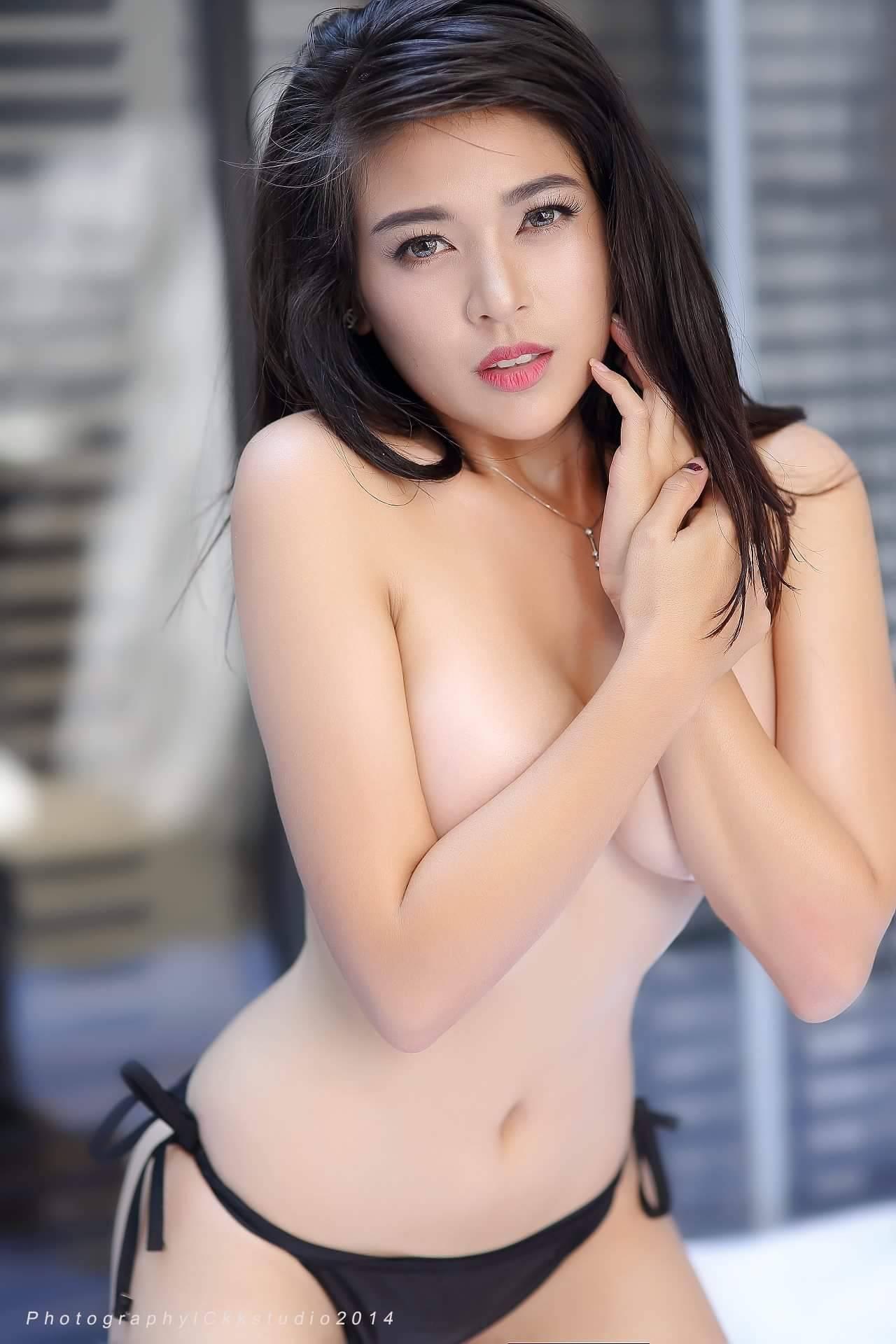 hot nude Asian